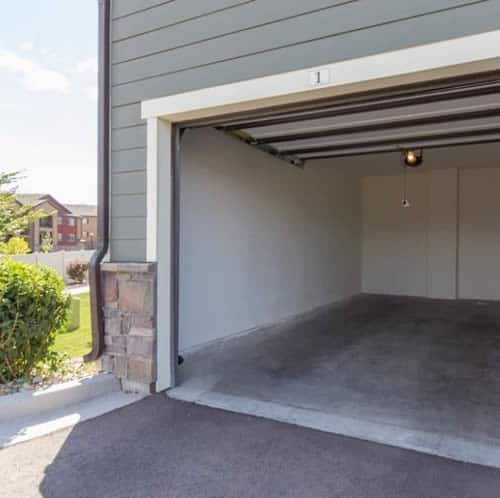 Apartments with Garages
